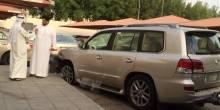 بالفيديو سرقة سيارة في وضع تشغيل وبداخلها زوجة صاحبها