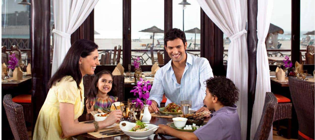 jumeirah-beach-hotel-beachcombers-family-dining-hero