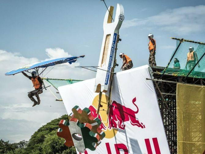20150527_Red-Bull-Flugtag-Dubai-2015