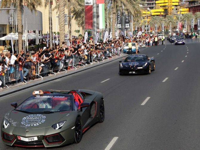 20150824_Dubai-Grand-Parade-Marques-dElegance