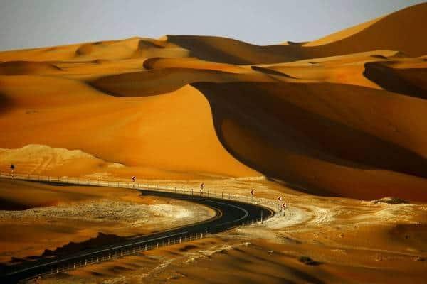 Road-to-Liwa-Oasis