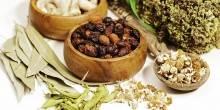 محاكمة أسرة تبيع أدوية طبية من الأعشاب دون ترخيص