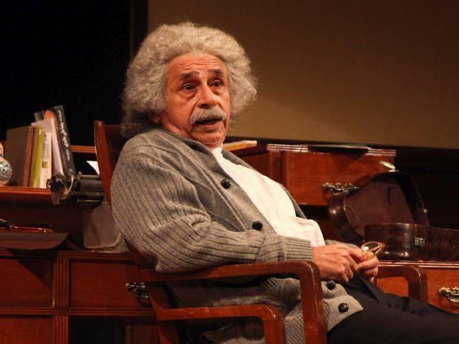20151209_Einstein-starring-Naseeruddin-Shah-1