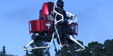 بالفيديو: شاهد جهاز فرق الإطفاء الطائر بدبي