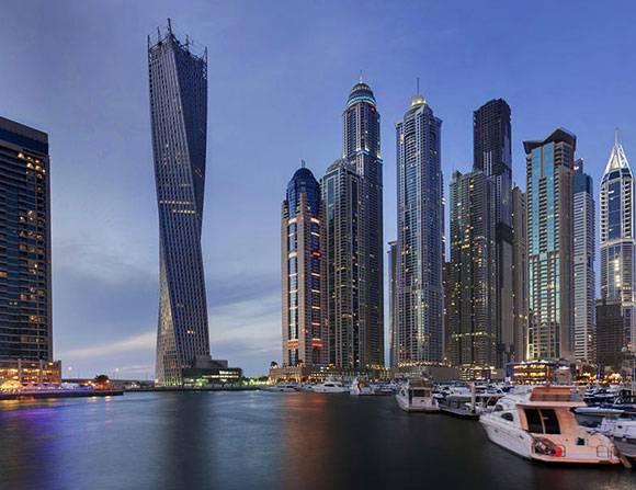 برج-كيان-الملتوي-في-دبي-من-أجمل-10-ناطحات-سحاب-في-العالم