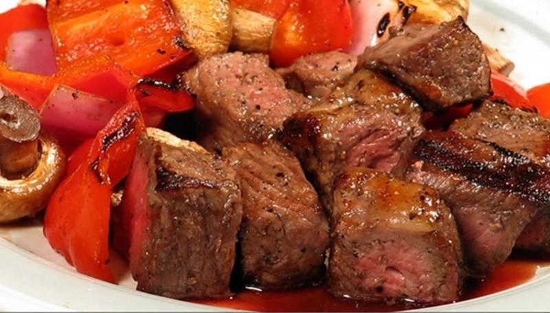 مكعبات-اللحم-المتبل-بالخضراوات