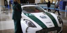 شاهد بالصور أسطول سيارات شرطة دبي الفاخرة