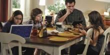 5 علامات تدل على إدمان الهواتف الذكية