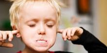 10 أسباب للتصرفات السلبية لدى الأطفال