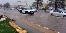 أطباء الإمارات يحذرون من تفشي الأمراض بفعل مياه الفيضانات