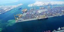 جبل علي بوابة تجارية و صناعية مضيئة في إمارة دبي