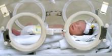 إنقاذ أصغر مولودة خديجة بمستشفى لطيفة بدبي