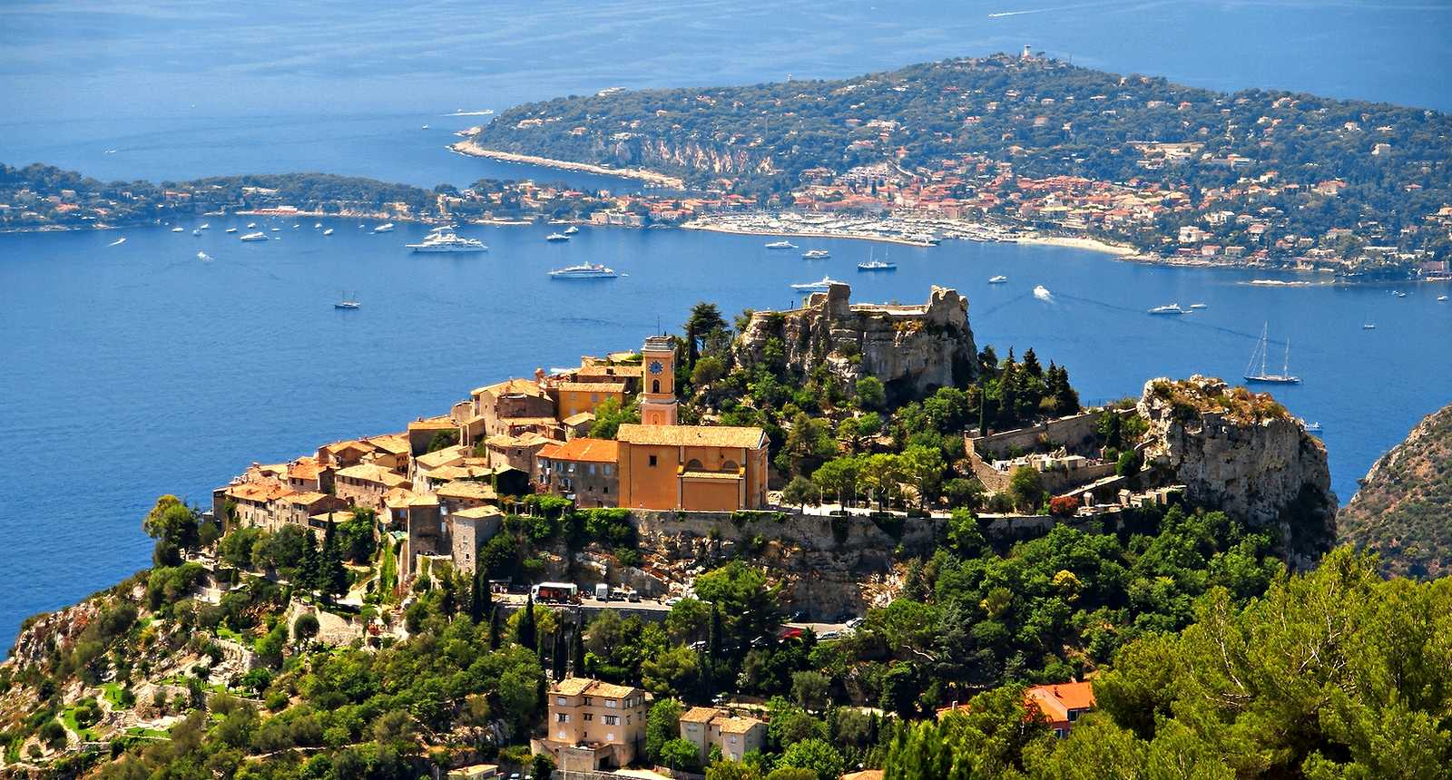 Eze is a commune of the Alpes-Maritimes département, in France, not far from the town of Nice. Eze village, dans les Alpes maritimes