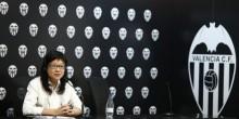 رئيسة فالنسيا تشان لاي هون تسعى لإرضاء الجماهير