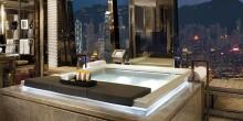 أفخم الحمامات بإطلالة رائعة في 9 فنادق بالإمارات
