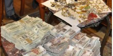 خادمة سريلانكية تهرب من منزل كفيلها بعد سرقة 40 ألف درهم ومصوغات ذهبية