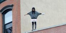 إنقاذ فتاة روسية كانت تحاول الإنتحار في الشارقة