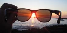 عالم فلك يبين بالفيديو خطورة التحديق إلى أشعة الشمس على العينين