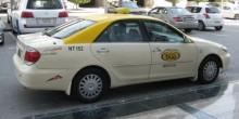 تعرف على عقوبة فتح الباب الأيسر لسيارة الأجرة في دبي