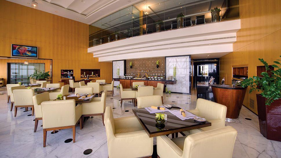 Jumeirah-Emirates-Tower-5