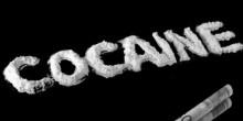 اتهام منتج إعلانات بحيازة 30 قطعة حلوى تحتوي على الكوكايين