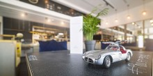 le trésor مقهى السيارات الكلاسيكية في دبي