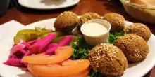 عشاء مميز وسط أجواء طربية ساحرة في مطعم الشرق العراقي بدبي
