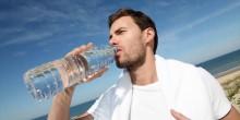 قلة الماء في الجسم يؤدي إلى زيادة الوزن