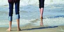 أطباء ألمان يشجعون على المشي بأقدام حافية