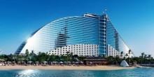 تعرف على سحر وفخامة فندق جميرا بيتش في دبي