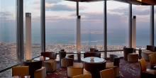 مقاهي أوربية مطلة على البحر في دبي