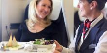 اكتشف أهم الخدمات المجانية التي يحق لك الحصول عليها خلال رحلتك عبر الطائرة