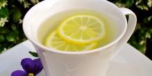 فوائد شرب كوب من الماء الدافىء مع الليمون في الصباح