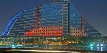 تعرف على سحر فندق جميرا بيتش في دبي