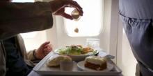 ماهي الأطعمة الممنوعة و المسموح بتناولها قبل السفر بالطائرة؟