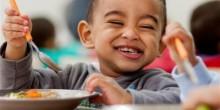 الأطعمة الغنية بالألياف تعالج الإمساك لدى الأطفال