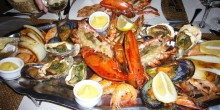 لا تفوت تذوق المأكولات البحرية في هذه المطاعم بدبي