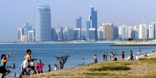 شاطئ كورنيش أبوظبي استقبل أكثر من 800 ألف زائر في 6 أشهر