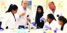 لأول مرة في الإمارات: توزيع كتب لمادة علوم الأرض والفضاء على طلبة الصف الـ 11 و 12