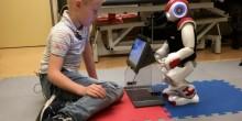 """""""تشارلي"""" رجل آلي يساعد الأطفال المصابين بمرض السكري"""