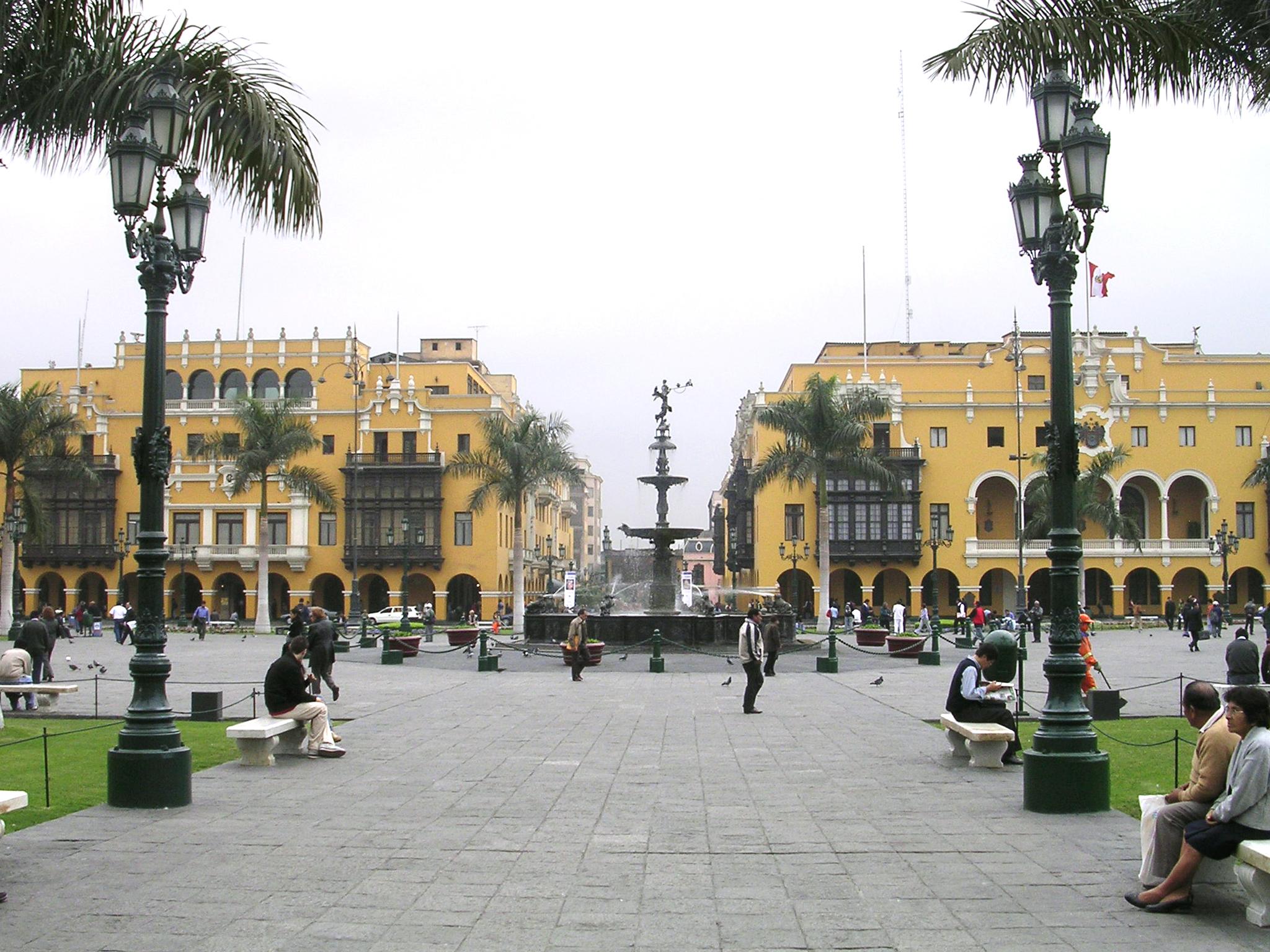 Square-in-Lima-Peru1