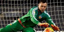 دييجو ألفيش فخور برقمه القياسي في تاريخ الدوري الإسباني ويتمسك بفالنسيا