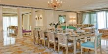 الذهب عنوان الرفاهة في فندق بلازو فيرساتشي دبي