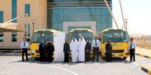 مركز التوحد بأم القيوين يستلم ثلاث حافلات جديدة