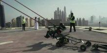 """بالفيديو: ما هي حقيقة فيديو """"المقلاع البشري"""" في دبي؟"""