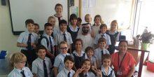 محمد بن راشد يزور الشيخة الجليلة في فصلها الدراسي