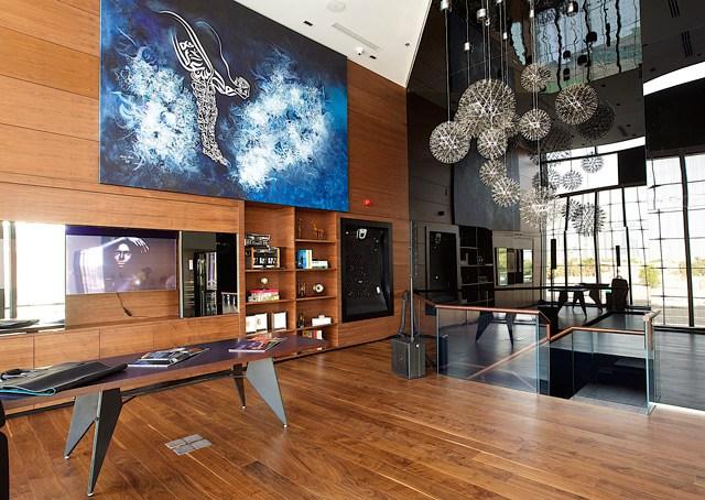 بوتيك رولز رويس الأول في العالم في دبي