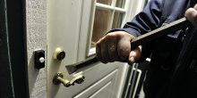 القصيص | 6 متهمين يسرقون من منزل ما يقارب نصف مليون درهم