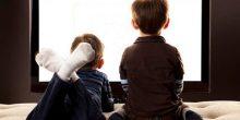 تقرير | الأطفال يقضون 5 ساعات يومياً أمام الأجهزة الإلكترونية