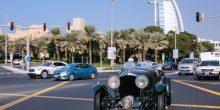 بالصور: سيارة بنتلي صنعت سنة 1930 تقوم بجولة في دبي